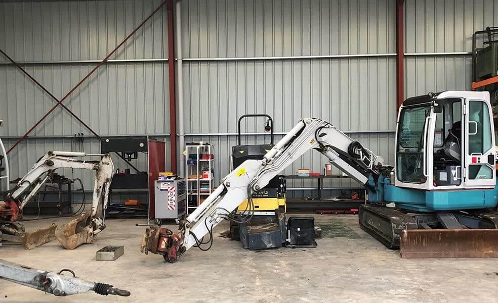 Atelier de réparation de la société AVM à Vigneux de Bretagne
